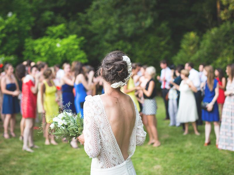 Bjuden på bröllop? Här är klädkoderna du behöver ha koll på!
